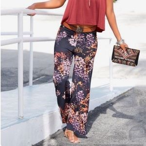 NWT Gorgeous Lascana Print Pants-Size Small